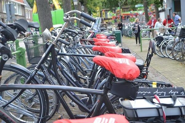 Mediamarkt e-bike promoten met zadelhoesjes